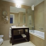 York House Hotel Bathroom