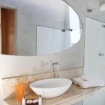 Hotel Cocoon & Lounge Bathroom